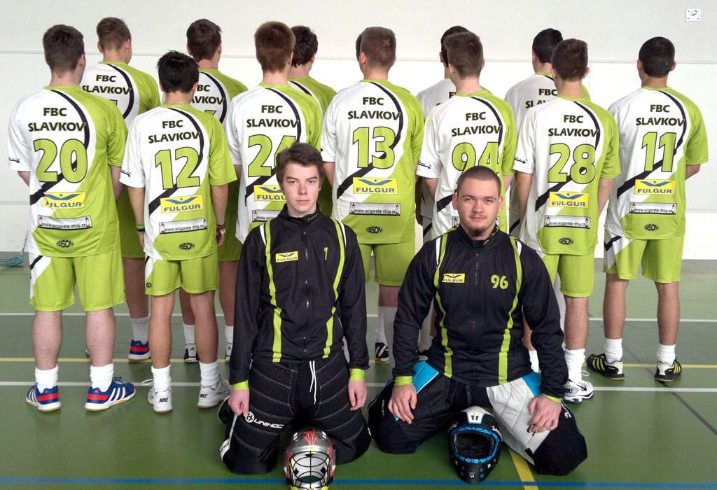 Florbalový tým v dresech Bison Sportswear.