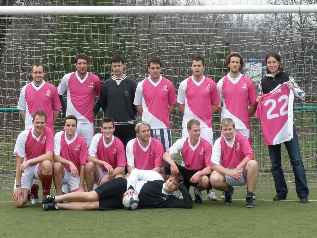 Tým ve fotbalových dresech Bison Sportswear